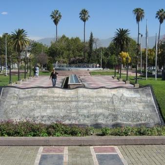 vista-plaza-desde-puerta-del-museo